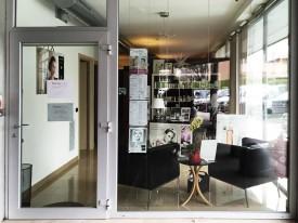Beauty Point Renovactive - Vista della vetrina dalla galleria